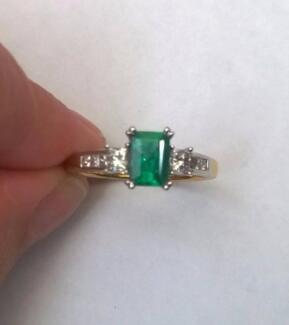 18ct Yellow Gold Diamond and Natural Emerald Ring Fletcher Newcastle Area Preview