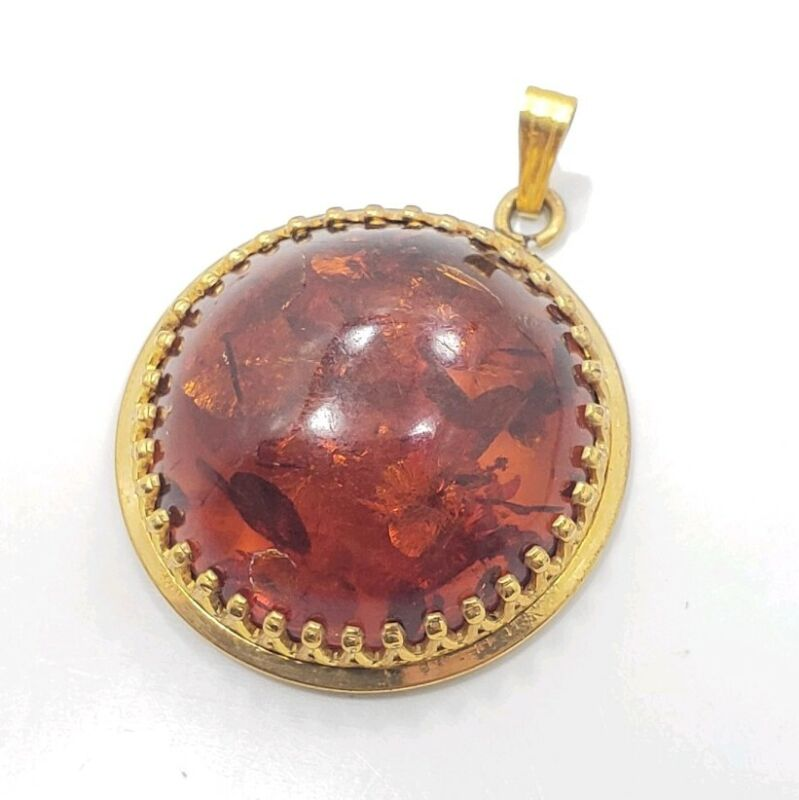 Vintage Beautiful Yellow Gold Filled Circle Amber Charm Pendant
