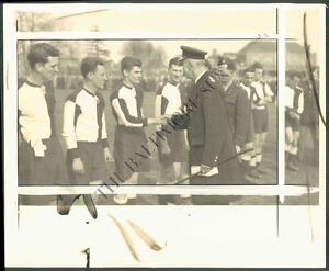 BS PHOTO hag-337 US Soccer Team in England 1943