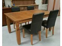 Solid wood table and 4 chairs can deliver 07808222995