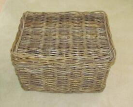 Wicker basket picnic hamper