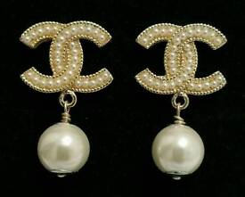 Stunning! Chanel Pale Gold Pearl Drop stud Earrings ~ Exquisite Quality