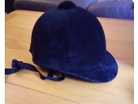 Brand New Never Worn Charles Owen Young Riders Hat Black Velvet Size 6/49
