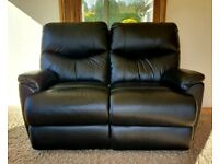 DELIVERY INCLUDED immaculate 2 seater black manual recliner sofa