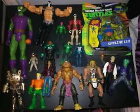 Bundle of various action figures