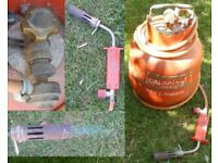 Bullfinch gas torch with 8 foot of hose, high flow regulator and FULL Calor Propane gas cylinder
