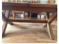 Fishpools Mango Wood extendable table in perfect condition