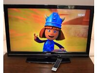 """FULL HD 40"""" LCD TV, Built in FREEVIEW, with remote and stand, EXCELLENT CONDITION"""