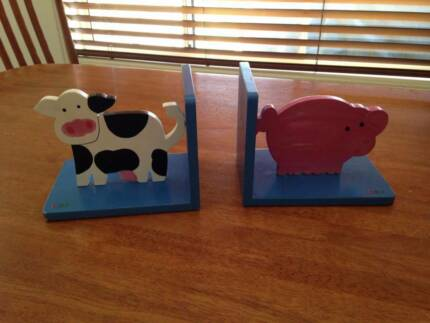 Animal bookends Mudgeeraba Gold Coast South Preview