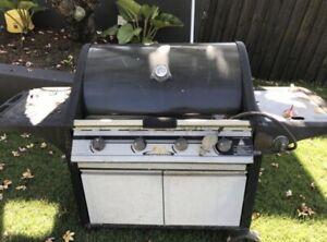 Beefmaster 4 burner BBQ with wok burner Bulimba Brisbane South East Preview