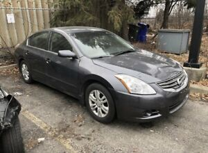Nissan Altima for Parts