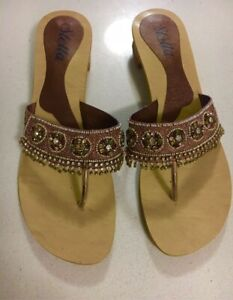 SANDALS.  BEADED    SIZE 8  As new West End Brisbane South West Preview