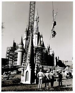 Vintage-DISNEY-WORLD-Cinderella-Castle-Construction-Photo-8x10-Free-Shipping