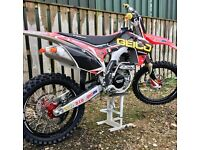 Crf 250 2015 only 6hours use, ( not kxf yzf rmz cr yz kx rm )