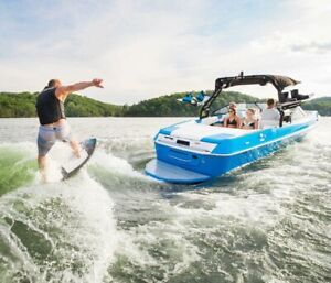 2018 Moomba Max Surf Boat For Rent