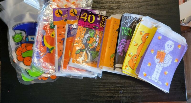 Halloween Paper Trick or Treat Candy Bags Lot of 200+