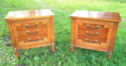 PAIR OF MID CENTURY CLASSICAL FRENCH STYLE 3 DRAWER BED SIDE NIGHT STANDS