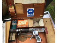Spit TI Automatic Nail Gun in Metal Case With Accessories. REDUCED TO £20.00