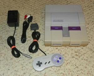 *****CONSOLE SUPER NINTENDO SNES JAUNÉE A VENDRE / YELLOWED SUPER NINTENDO SNES SYSTEM FOR SALE*****