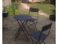 Garden table + 2 chairs