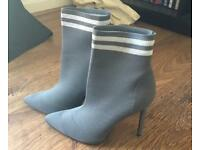 CARLI BYBEL SIZE FIVE SOCK HEELS.