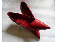 Ladies New look Red shoes size 6, barely worn