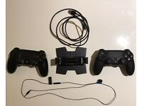 USA PlayStation4 (500GB) + 2xDualShock controllers (with USB charging station)