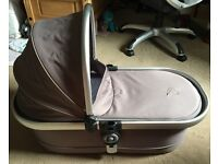 iCandy Peach Carrycot in Glacier