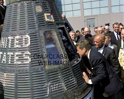 ASTRONAUT JOHN GLENN-PRESIDENT JOHN F KENNEDY LOOK NASA SPACE CAPSULE 8X10 PHOTO