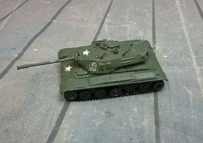 Playart diecast WALKER BULLDOG US Army Tank. Made in Hong Kong. ()