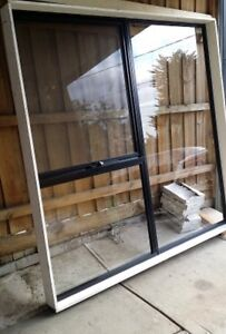 BEAUTIFUL GLASS WINDOW Broadmeadows Hume Area Preview
