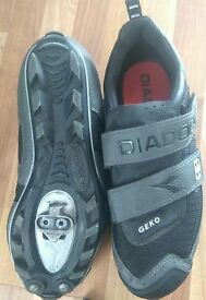 CYCLING SHOES SIZE 7.5,WORN ONCE EXCELLENT CONDITION, £10