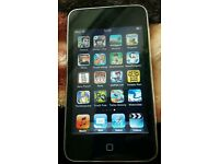 Apple ipod touch 2nd 8gb with iluv speaker dock