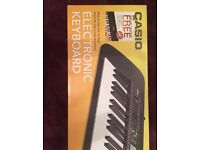 Casio Electronic keyboard PLUS FREE ONLINE MUSIC LESSONS