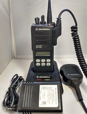 Motorola Mts2000 800mhz Model Ii 3 Watt Portable Two-way Radio H01ucf6pw1bn