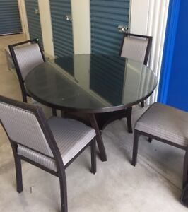 Free delivery: living/dining room furniture pieces
