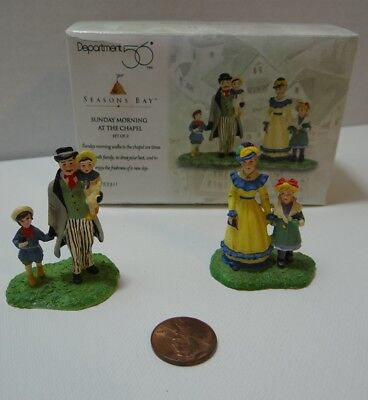 Dept 56 Seasons Bay Sunday Morning At The Chapel 53311 Set of 2 Family with Kids