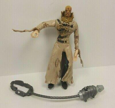 Batman Begins Skull Strike Scarecrow Batman Action Figure Toy 2005 & Accesories