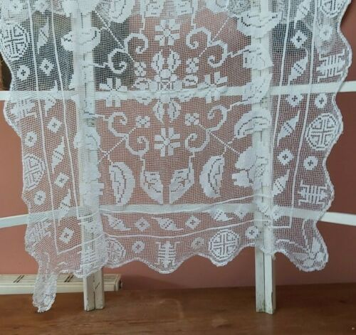 VINTAGE LACE TABLECLOTH LINEN WHITE SHABBY CHIC HANDMADE