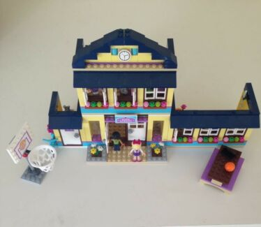 Lego Friends Heartlake Highschool