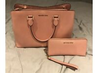 Michael Kors Bag & Purse Like New