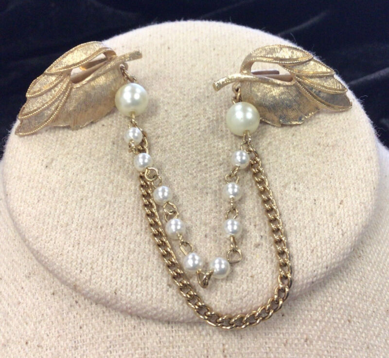 Vintage Gold Tone Costume Faux Pearl Leaf Sweater/Dress/Scarf Clip HH162