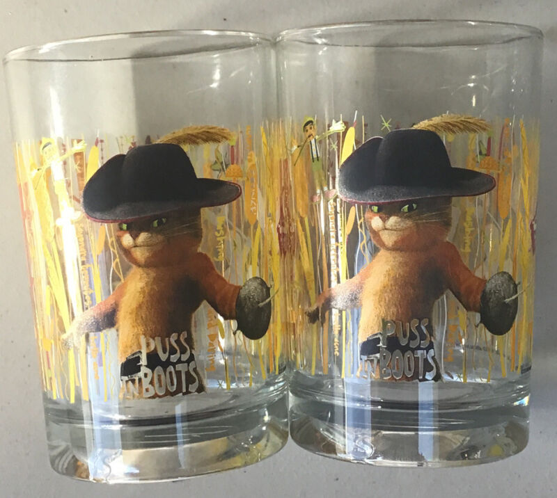 Two McDonalds Shrek Forever After Puss & Boots Glasses Tumblers 2010 (A-2-49)