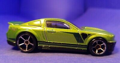 2013 Hot Wheels Showroom-Then and Now '07 FORD MUSTANG Metallic Green Loose