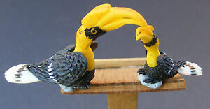 1-12-Large-Small-Yellow-Hornbill-Dolls-House-Miniature-Garden-Acessory-Bird