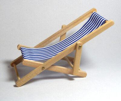 Miniatur Holz Liegestuhl - klappbar Breite 5,5 cm - Puppenhaus Garten 1:12  (JS)