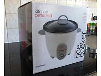Lloytron Kitchen Perfected O.8 Litre Rice Cooker - Used Twice Only - As New