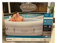 Lay-Z-Spa Vegas 2021 4 - 6 Person Hot Tub Brand new sealed boxed never used