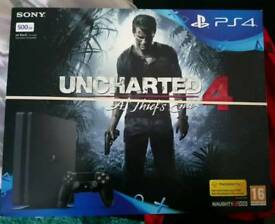 PlayStation 4 plus Uncharted 4