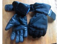 Used motorbike gloves - size small - padded knuckles - anti Freeze windproof protection